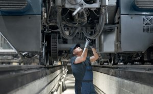 Two in one: how a new diesel resistant and halogen free marker helps a locomotive manufacturer increase safety